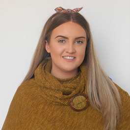 Closer_Up_Mustard_Poncho_and_Snood_Philippa.jpg